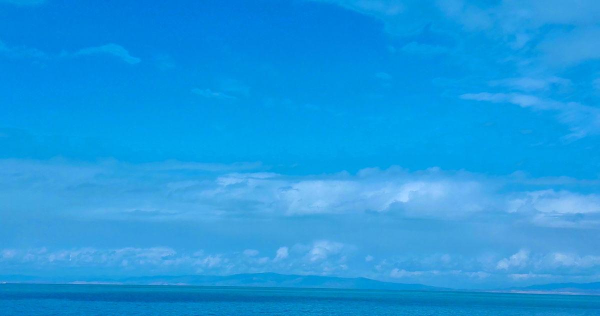 碧海蓝天水天一色