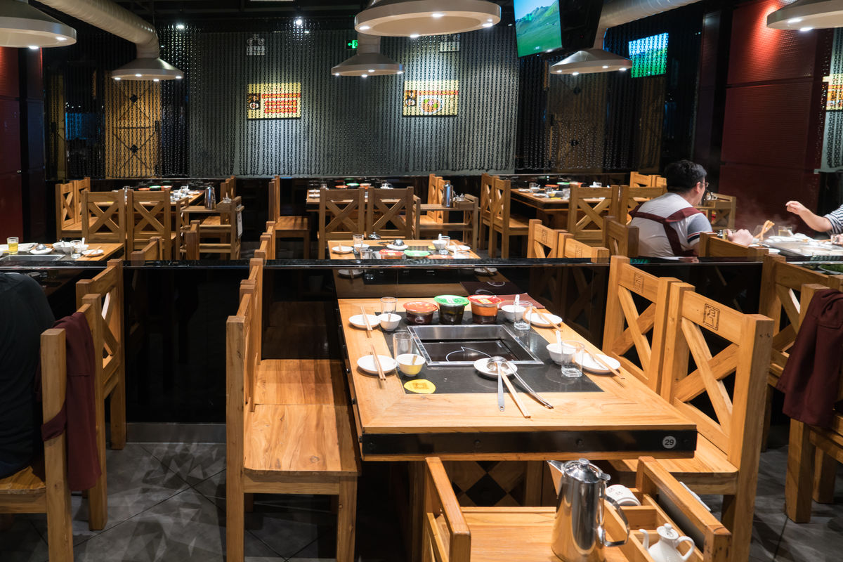 餐厅,火锅店,中式餐厅,餐厅内景,餐桌餐椅,餐厅装饰,时尚餐厅,特色图片
