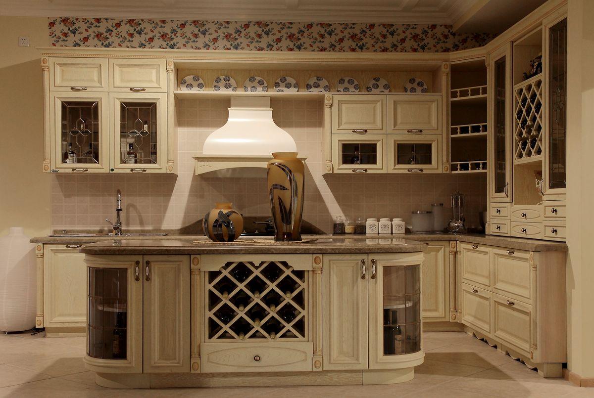 居室空间,家居生活,生活百科,现代厨房,时尚厨房,地柜,吊柜,酒柜,吧台图片