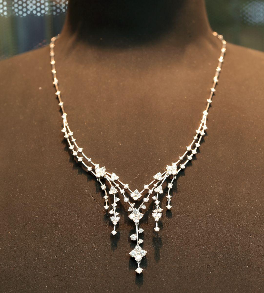 白金钻石项链
