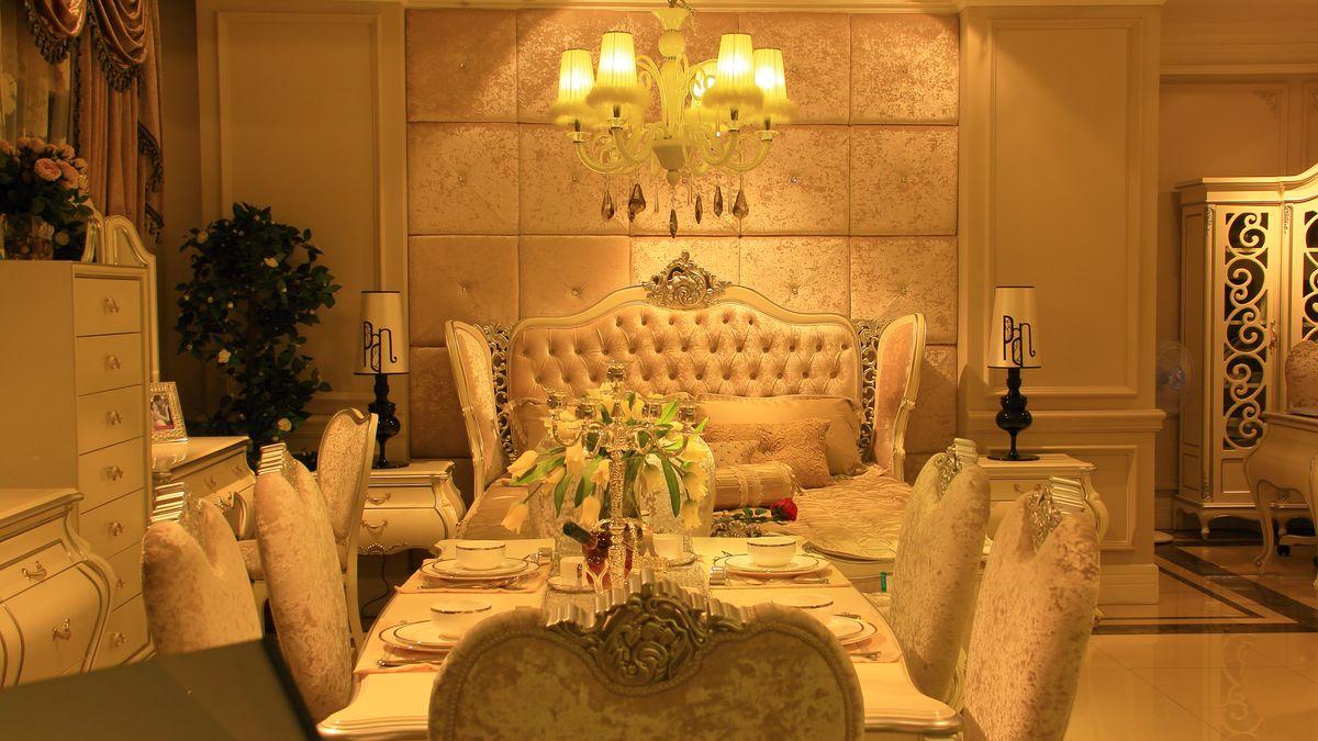 餐台,餐厅,餐桌,桌子,椅子,家具,欧式家具,水晶灯,家居图片