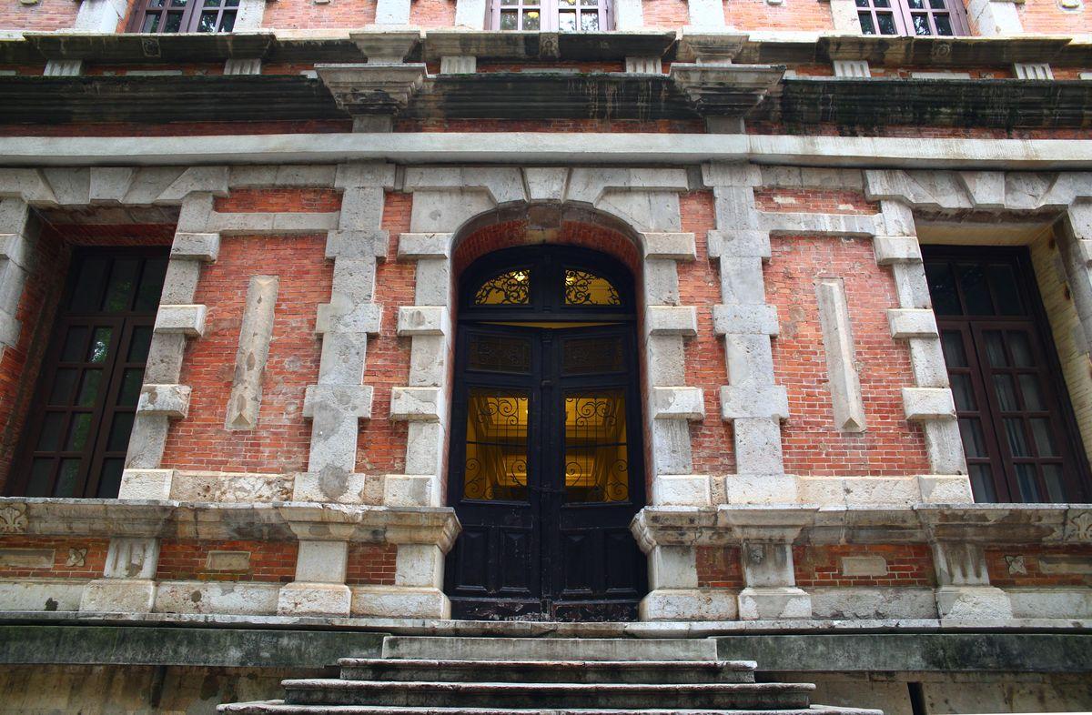 古典建筑,欧式建筑,欧式风格,建筑外墙,云南大学,会泽院,历史建筑图片