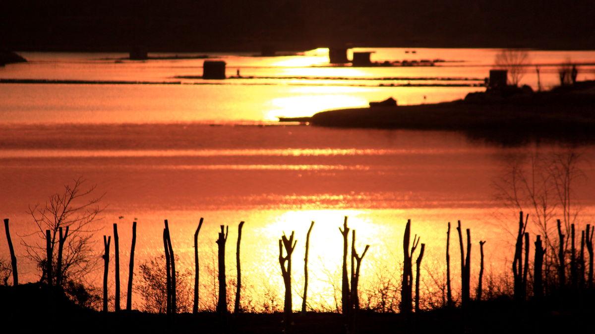 水库风景,故乡,金色河湾,小山村,大好河山,河畔倒影,河畔,金色阳光