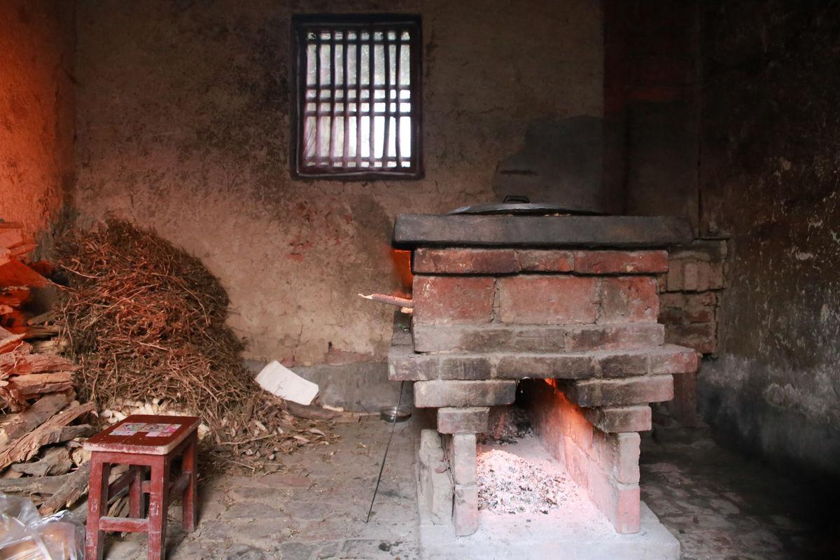 农村厨房灶台图片
