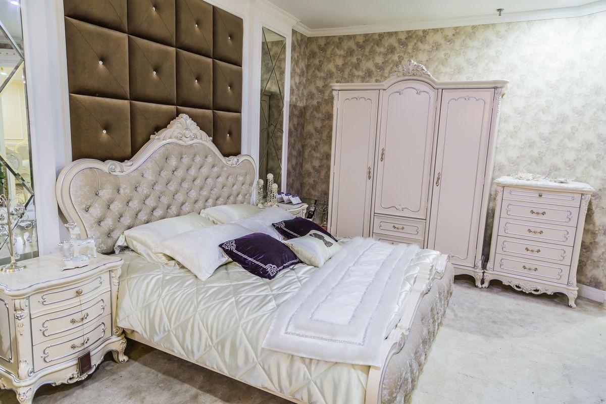 欧式床,软床,实木家具,宫廷风格,欧洲风格,实木床,欧式床头柜,橱柜图片