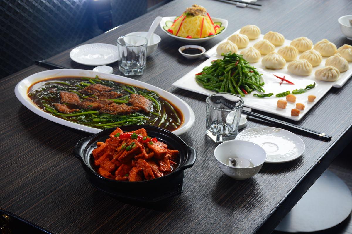 套餐,快餐,美食,排骨,简餐,盒饭,食物,中式套餐,中式快餐,快餐盒饭图片