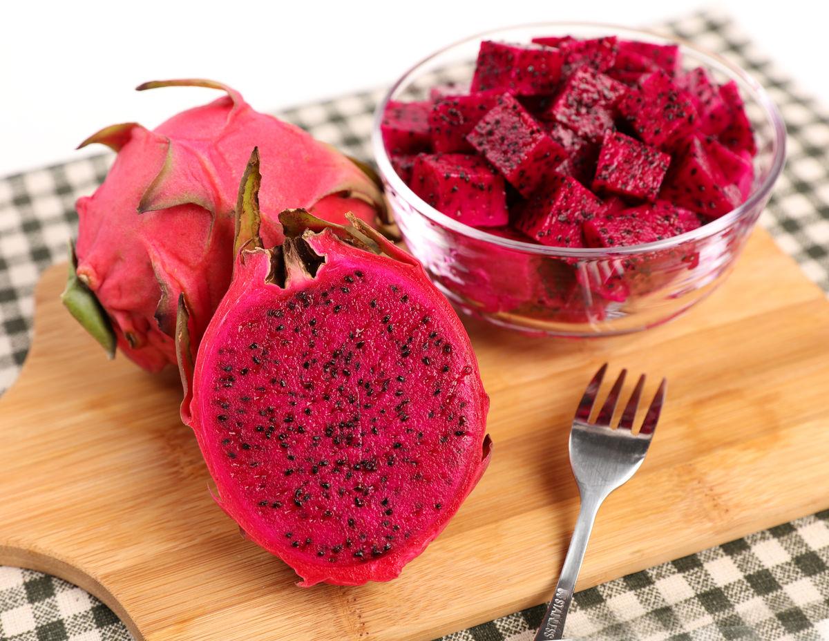 红心火龙果,火龙果,红龙果,亚热带水果,红肉火龙果,火龙果拼盘,红心图片
