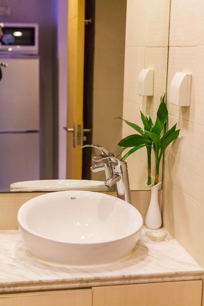 酒店,卫浴,卫生间,马桶,淋浴,台盆,洗脸盆图片