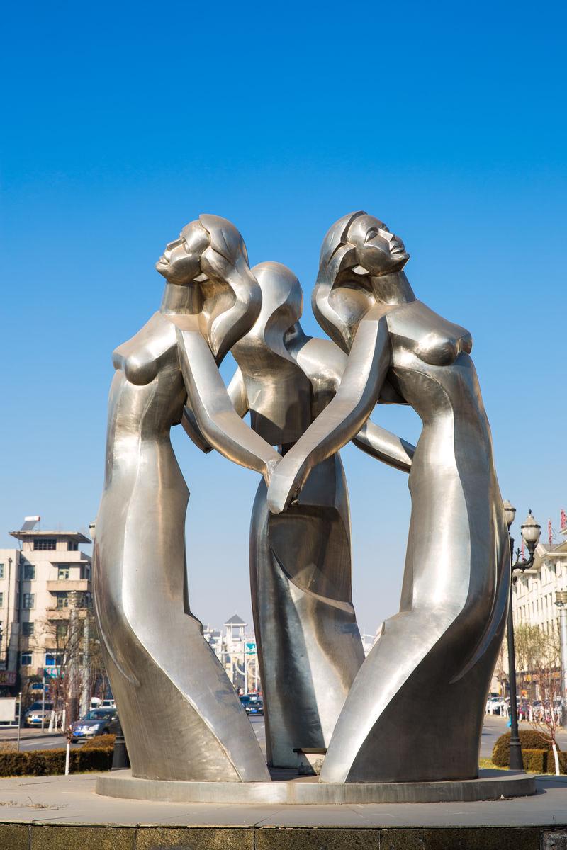 城市雕塑,阜新市区,阜新市,阜新建设广场,城市环岛,不锈钢雕塑,路灯图片