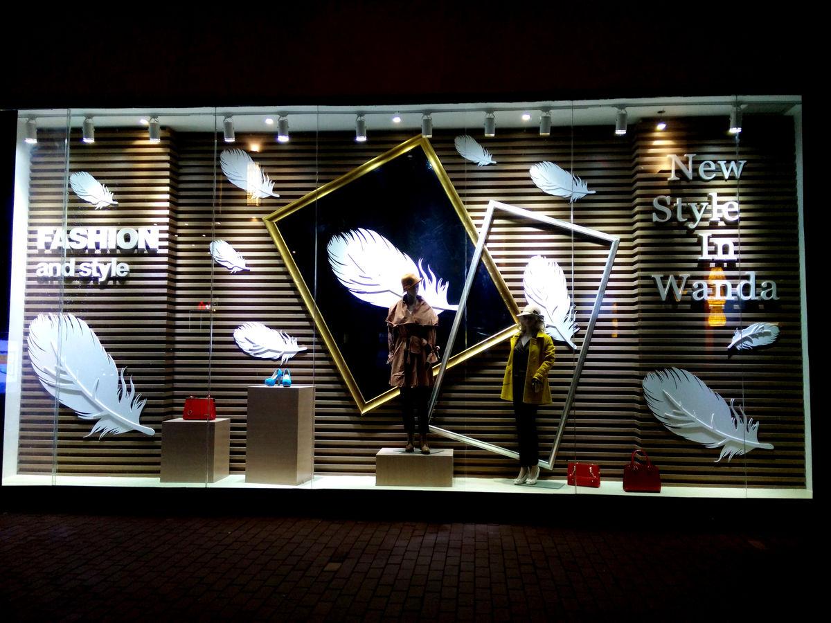 橱窗设计,橱窗展示,服装展示,模特,商业卖场,购物中心,新款上市,时图片