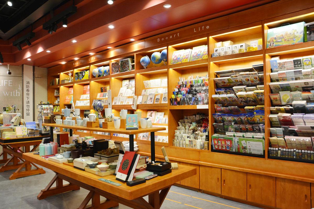 工艺品店,礼品店,礼品店陈列,杯子,杯具陈列,货品摆放,工艺礼品店,一图片