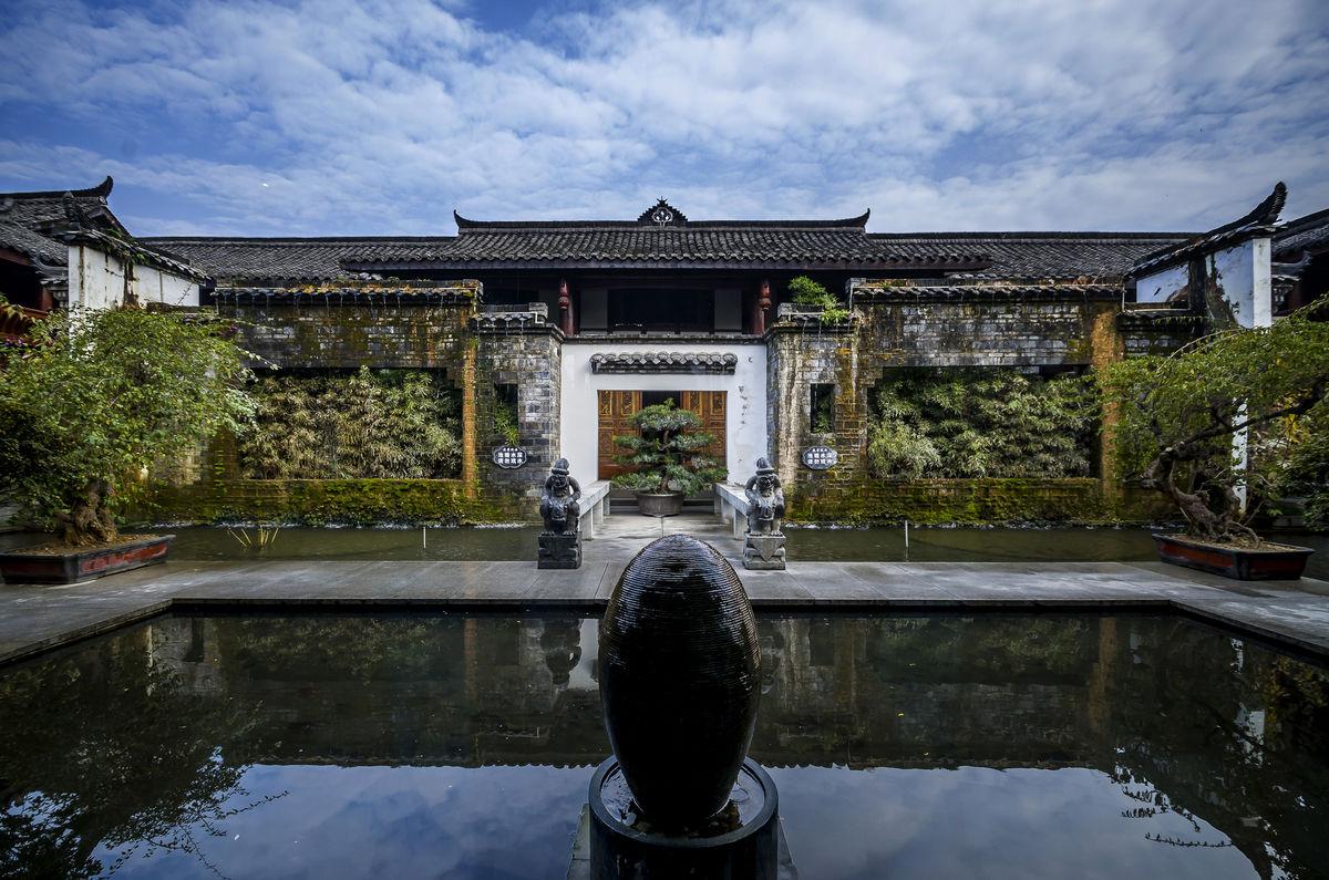 中式会所园林水景图片