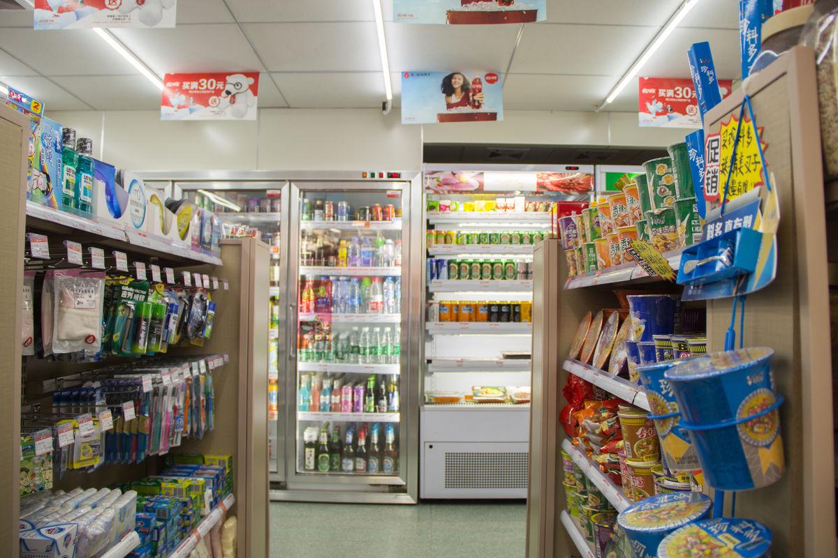 超市购物超市货架,零售百货,超市内景,超市通道,超市布局,商业,方便面图片