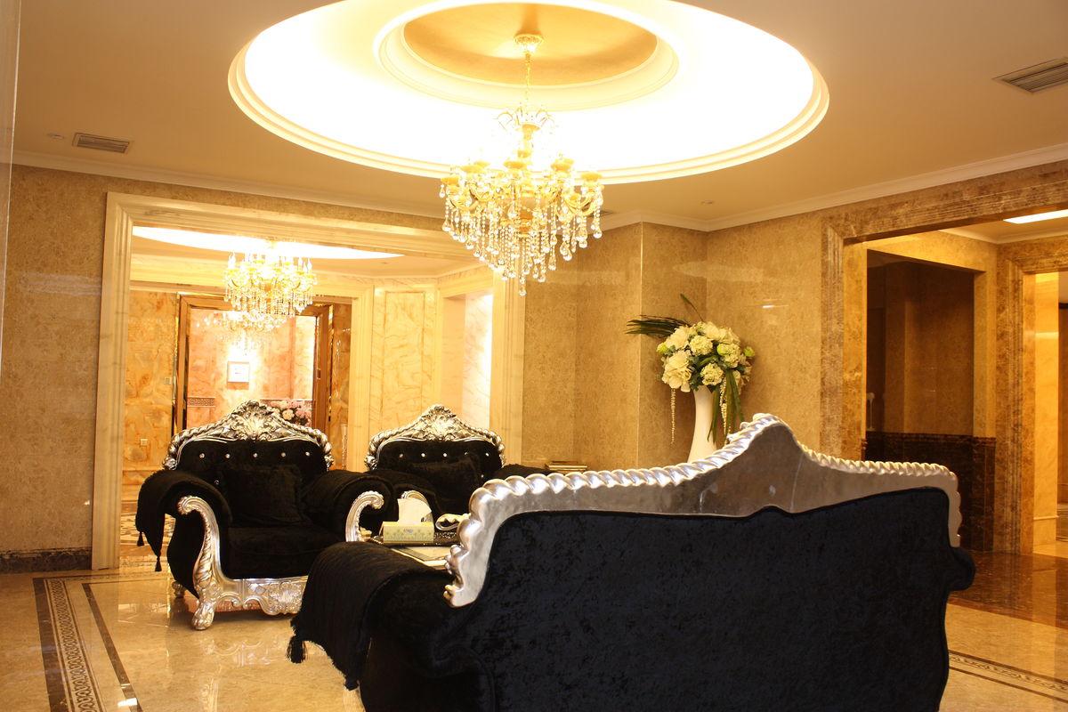 沙发,吊灯,壁灯,地砖,瓷砖,背景墙,吊顶,时尚沙发,布艺沙发,舒适温馨图片