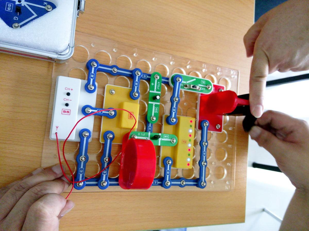 电子元件,无线电,元器件,手工制作,拼装,科技,科学,小制作,小发明图片