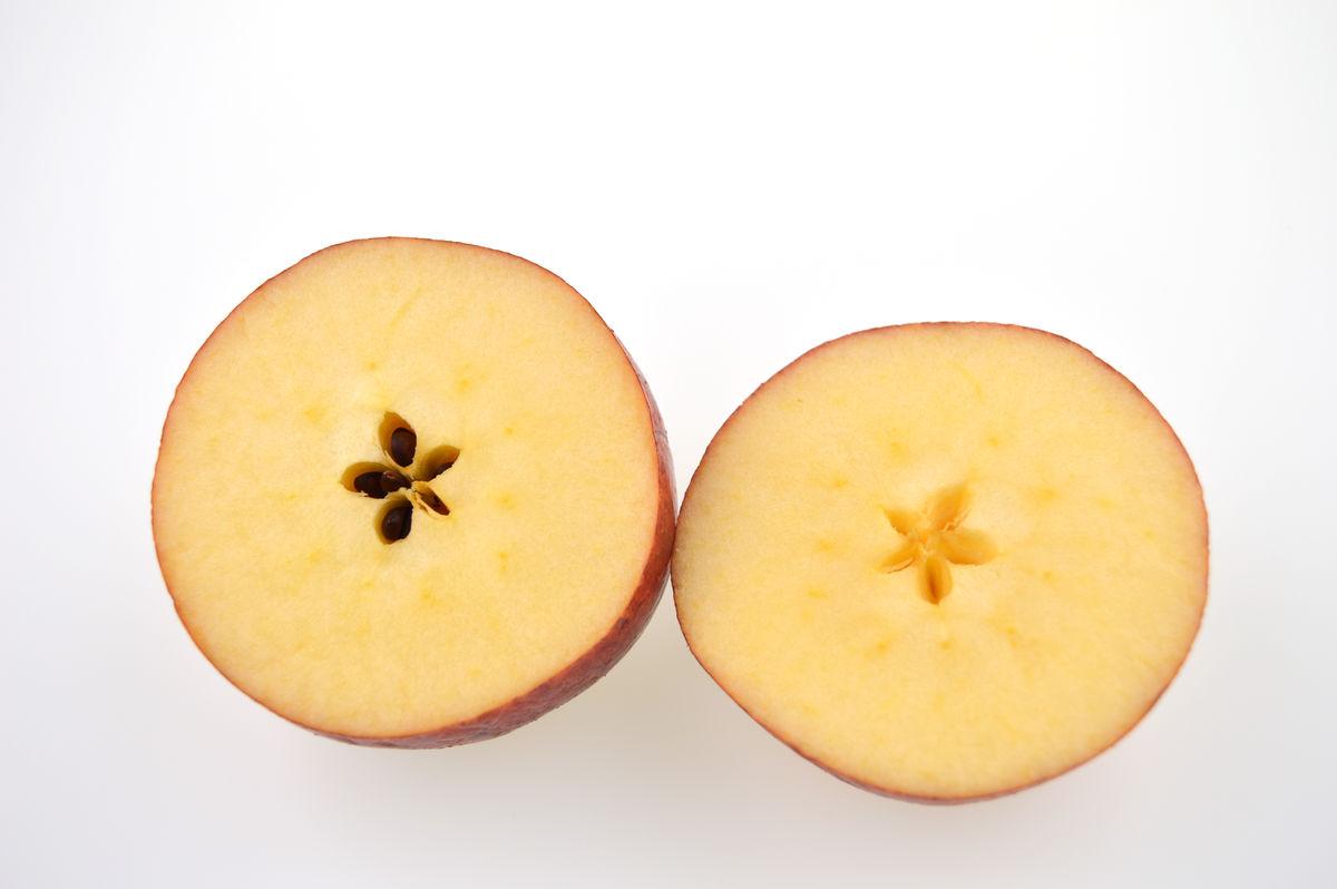 切开的苹果图片