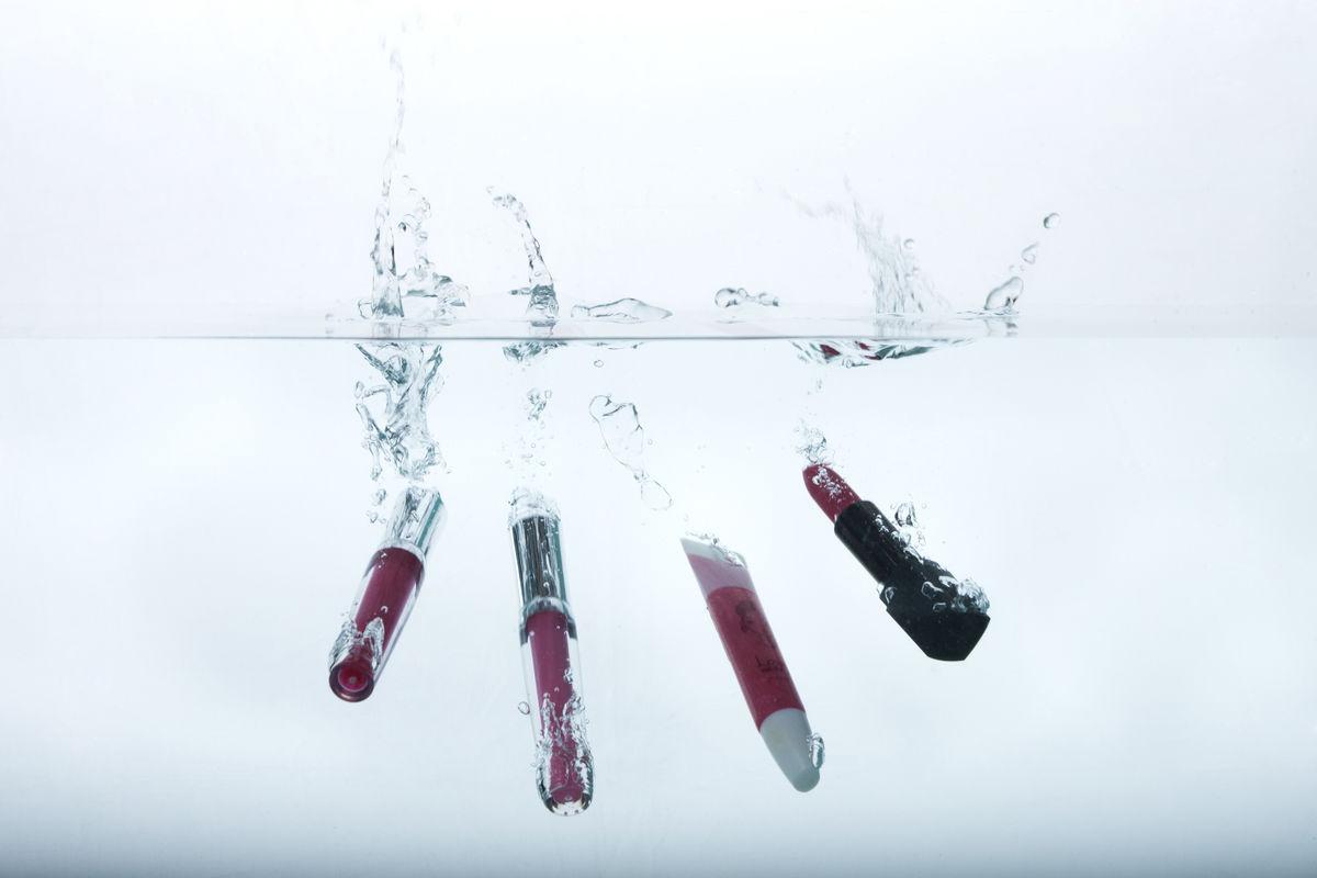 背景,化妆品,下降,口红,水,照片,摄影素材图片
