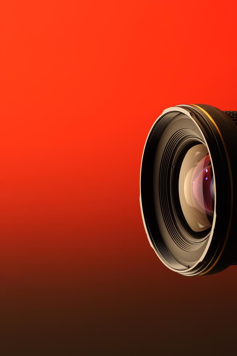 微距镜头和长焦镜头 什么情况下要用手动对焦?