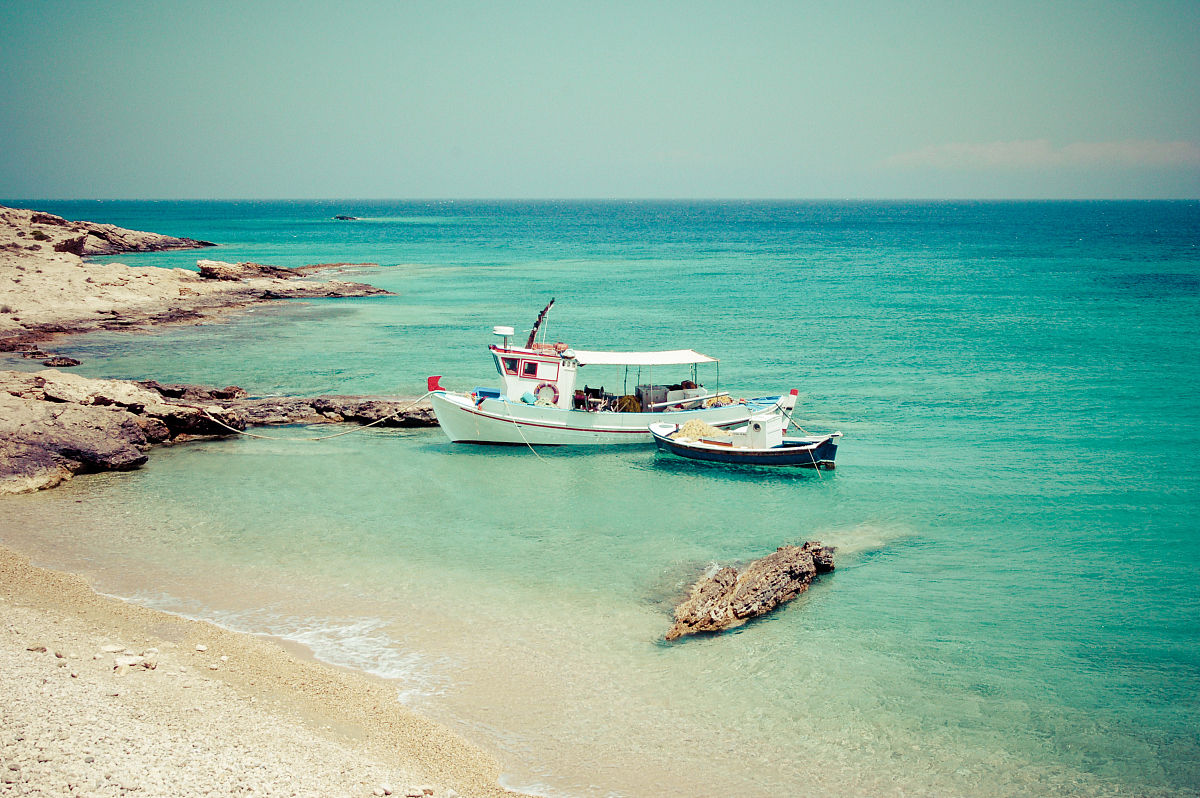 碧海�z.*�yK^[�_钓鱼船在碧海希腊