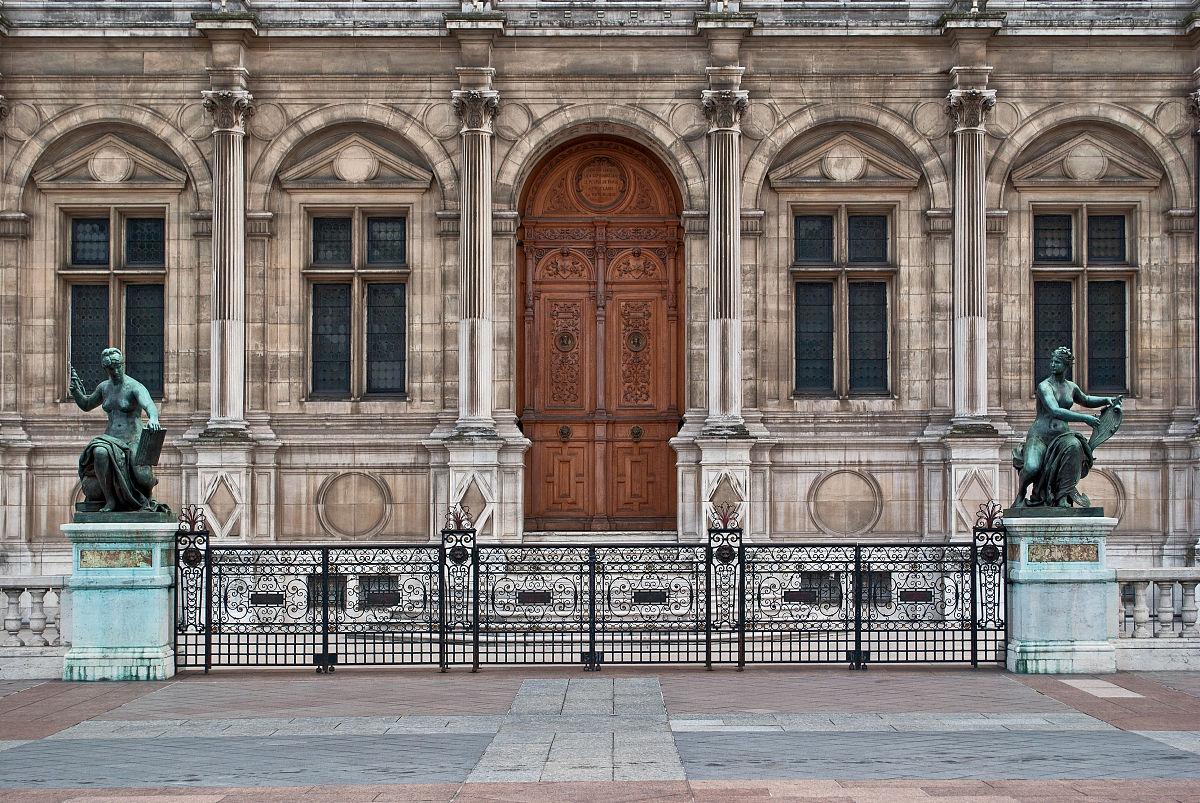 与主入口的宫殿建筑立面,雕塑和格grinevskaja广场我图片