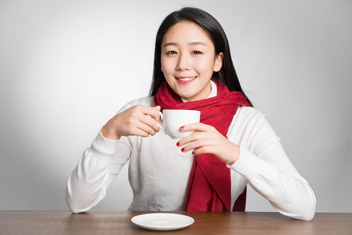 亚州女人�9�'�od9o9f�x�_下班,东亚,东方人,中国,中国人,书桌,亚洲,亚洲人,人,仅一个女人,仅一