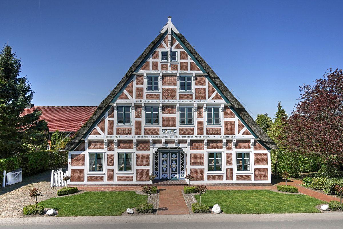 车门,和蔼之人,建筑物门,树木造型,无人迹,古典式,窗户,农舍,屋顶,门图片
