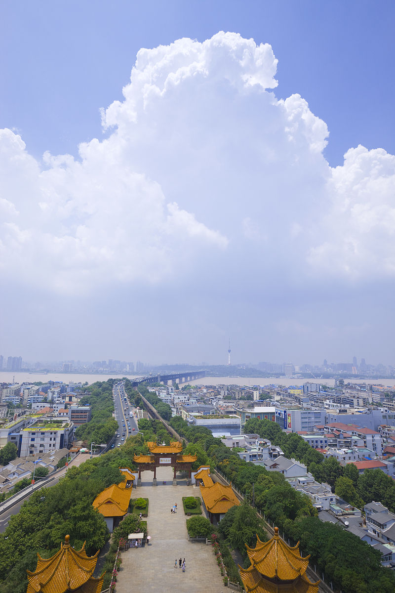 武汉市(武昌汉口区)和yangtze河(changjiang)从黄鹤楼,武汉,湖北(黄鹤图片