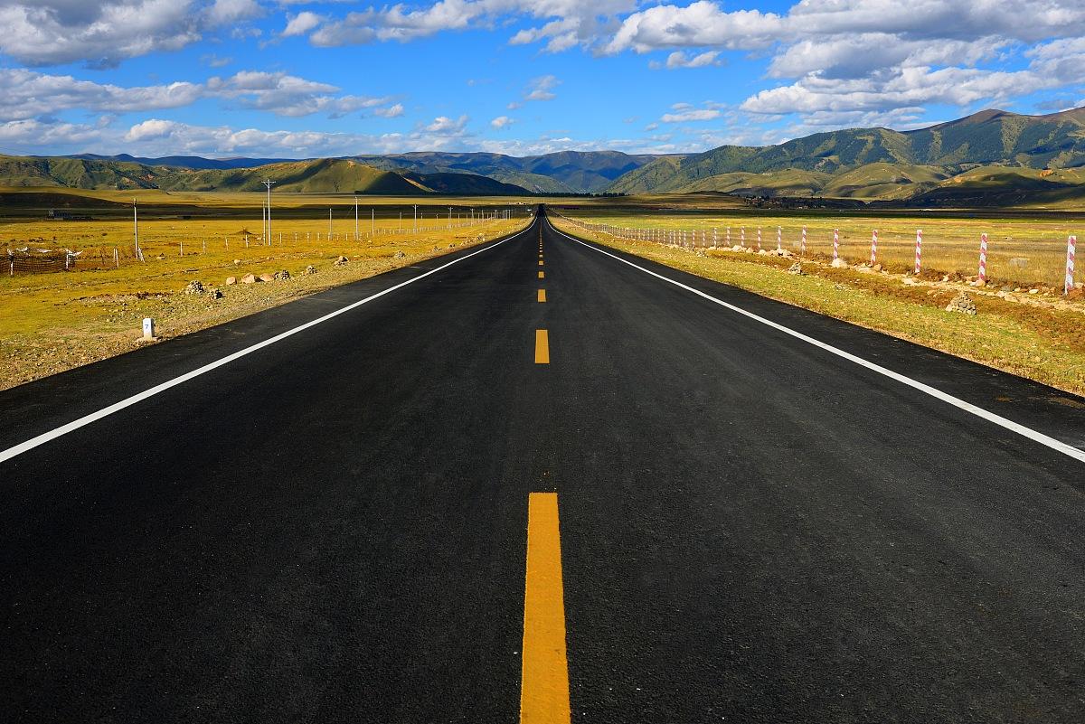 路�_向前延伸的中国西部公路