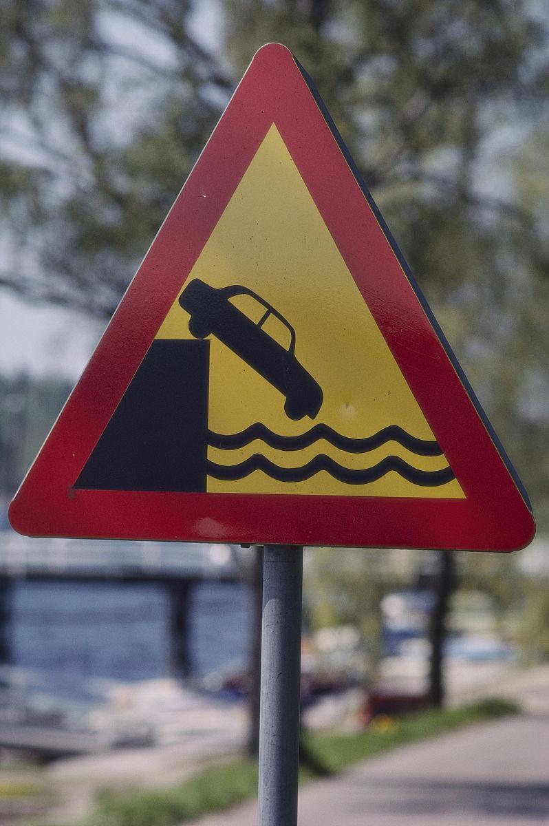 无人,特写,户外,芬兰,奥兰群岛,交通标志,道路危险标志,机动车,三角形图片