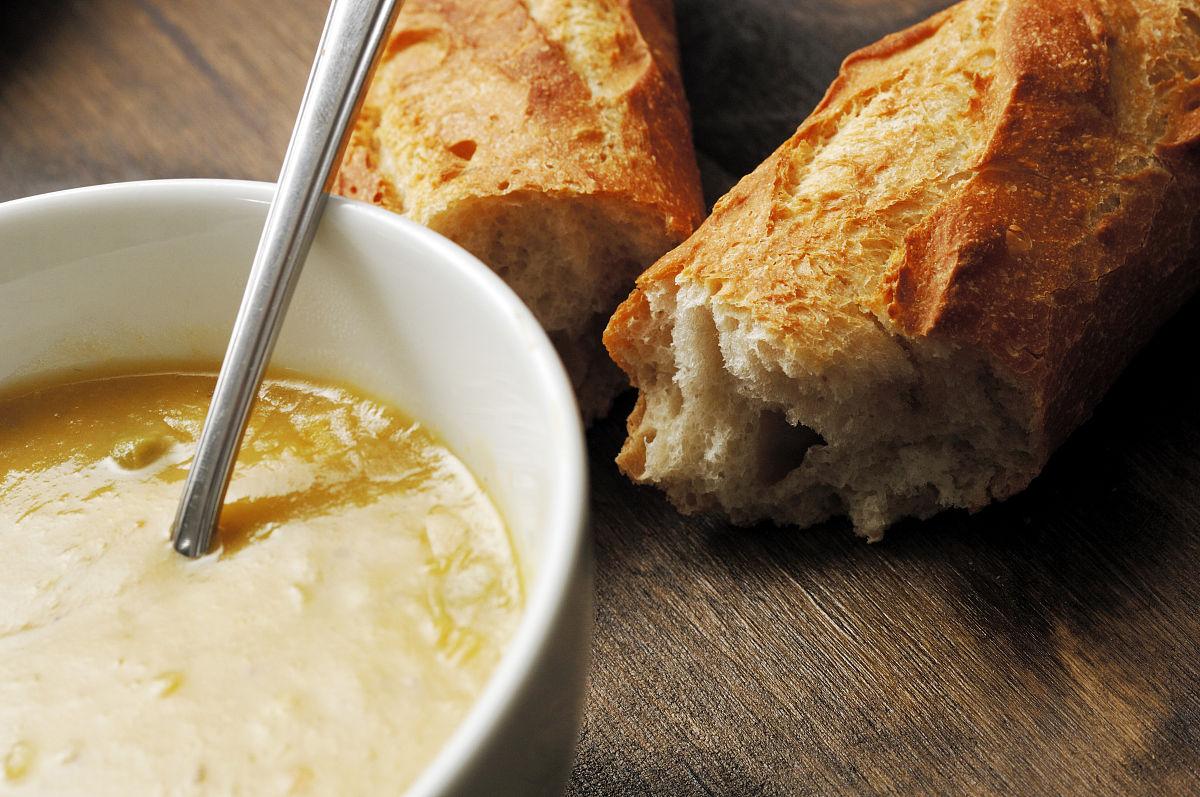 法式蔬菜面包碗图片