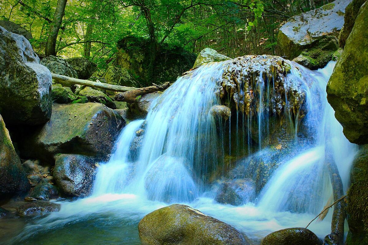 运动模糊,水彩画颜料,行动,长时间曝光,流动,自然美,饮用水,无人,流水图片