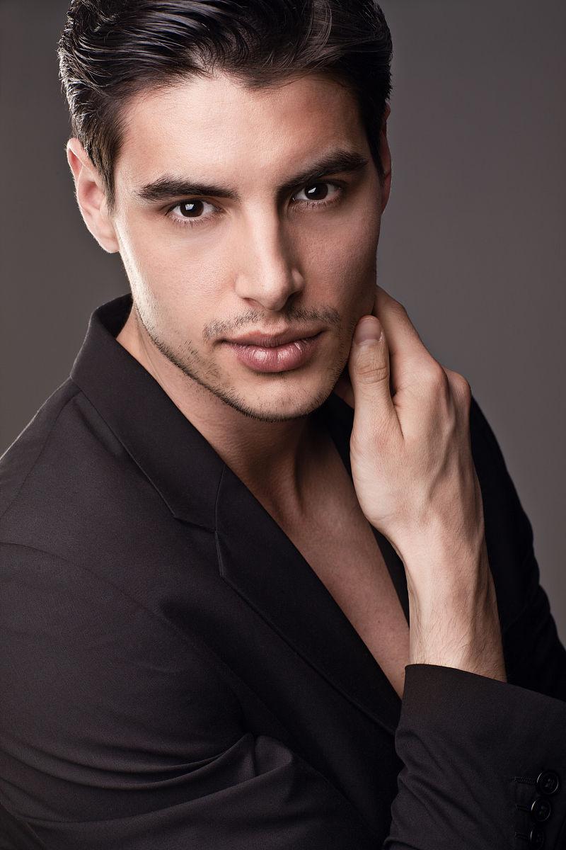 英俊的男模特图片