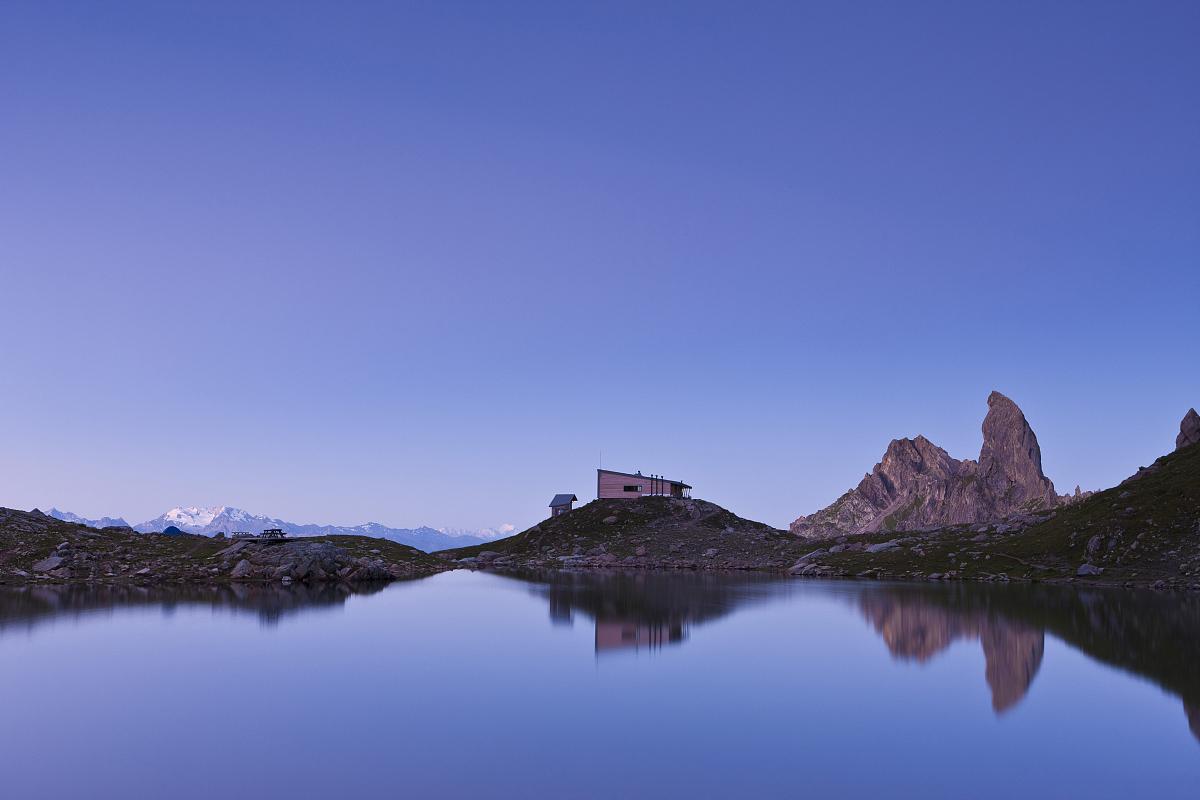 �^��m�_法国,savoie,beaufortain山,la cote daime,presset湖的presset避难