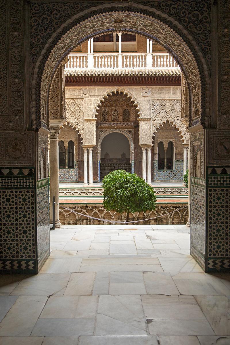 pedro first皇宫的摩尔人的宫殿建筑在历史的城堡,塞维利亚,西班牙图片