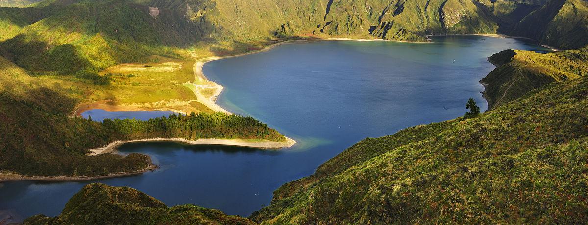 骚色网站_lagoa的大火山口做福戈岛(火泻湖),自然保护区和一个最保存网站骚