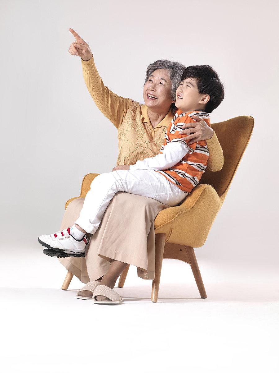 奶奶和孙子xinjiao_奶奶和孙子,韩国人
