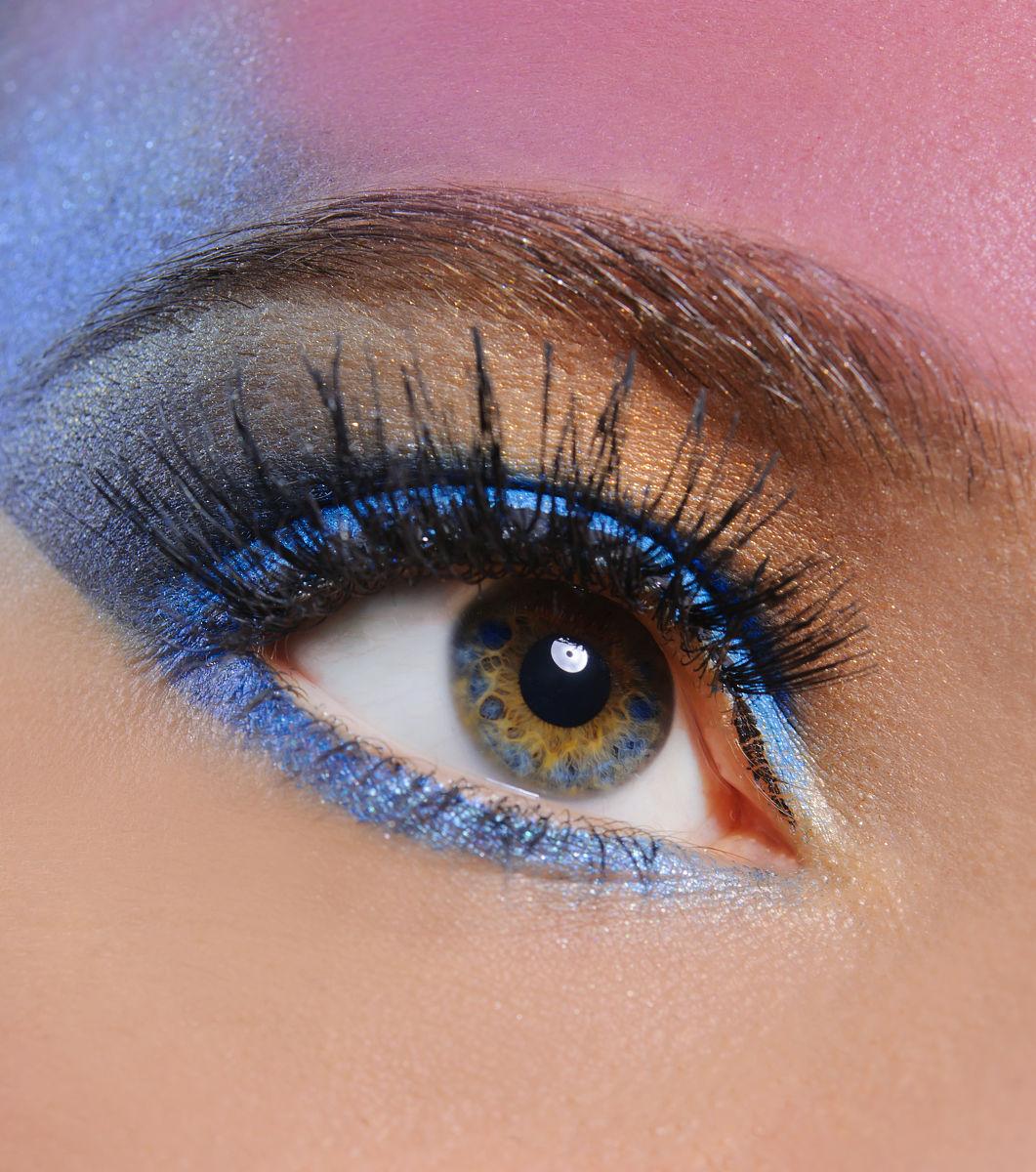 人,女性,垂直画幅,淡褐色眼睛,眼影,眉毛,美,睫毛,美女,彩妆,眼妆品图片