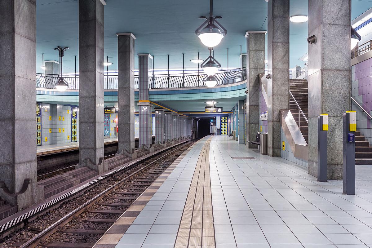 德国,柏林,地铁站lindauer allee图片