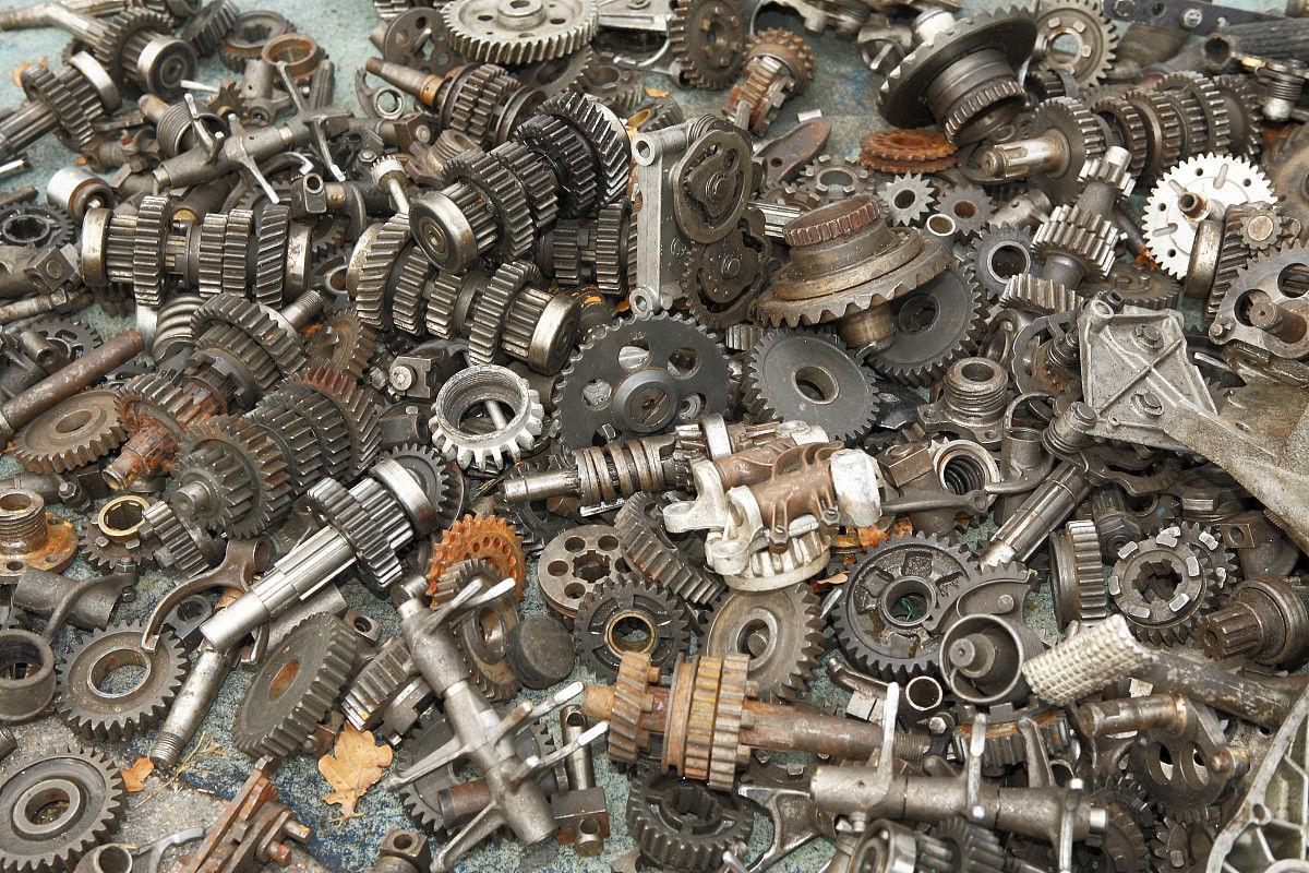 跳蚤市场,废铁,金属件图片