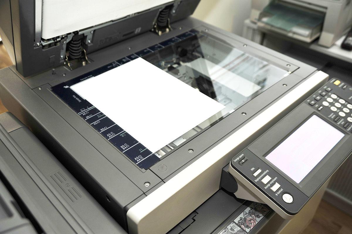 使用复印机图片
