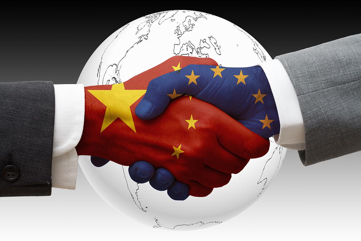 中国和欧盟的握手图片