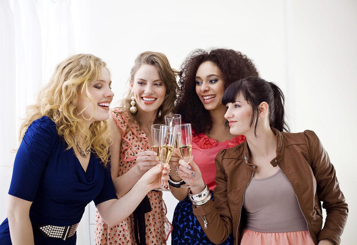仅女人,休闲活动,摄影,社会聚会,露齿笑,学生,时尚,女性特质,非洲人图片