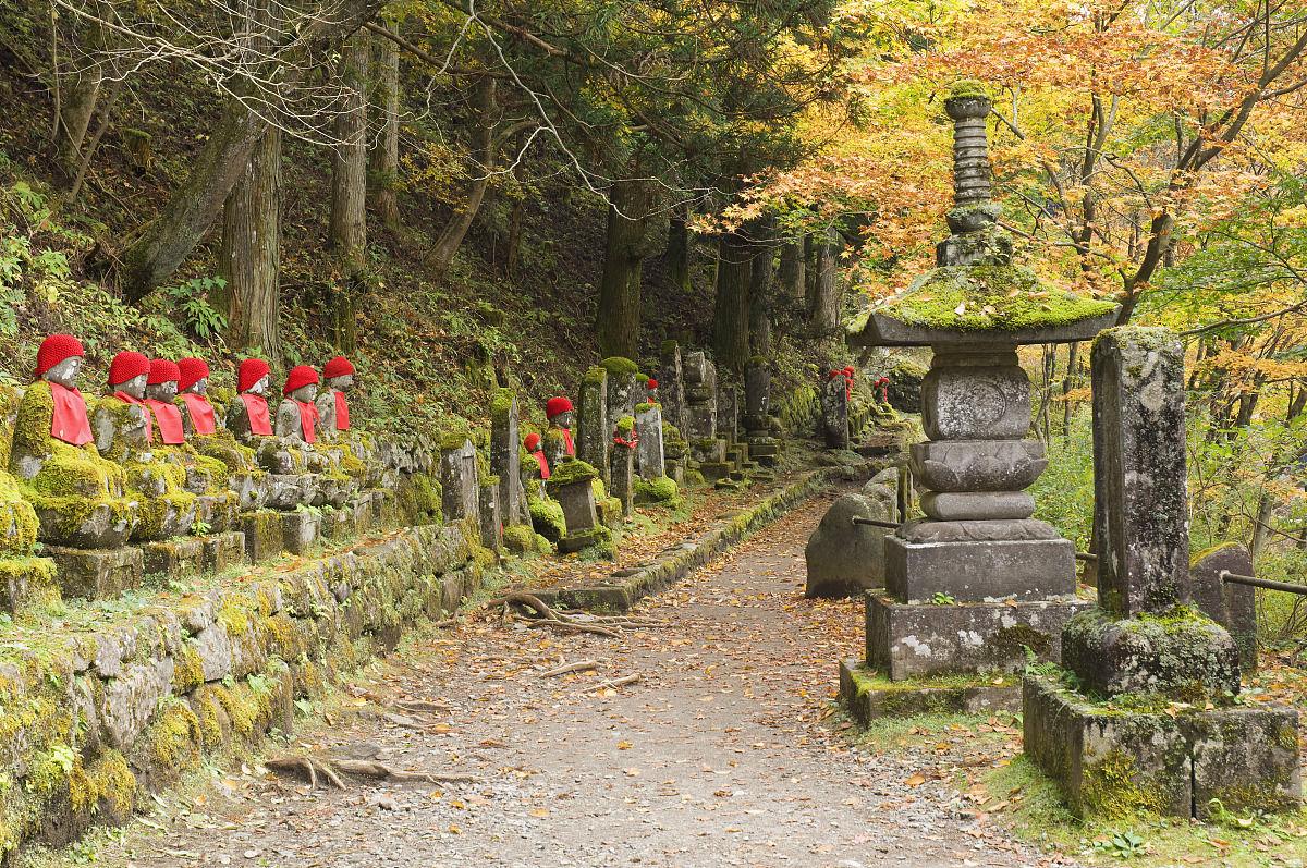 �O6�n;�Mz�_雕像和通路,narabjizo,日高,日本州