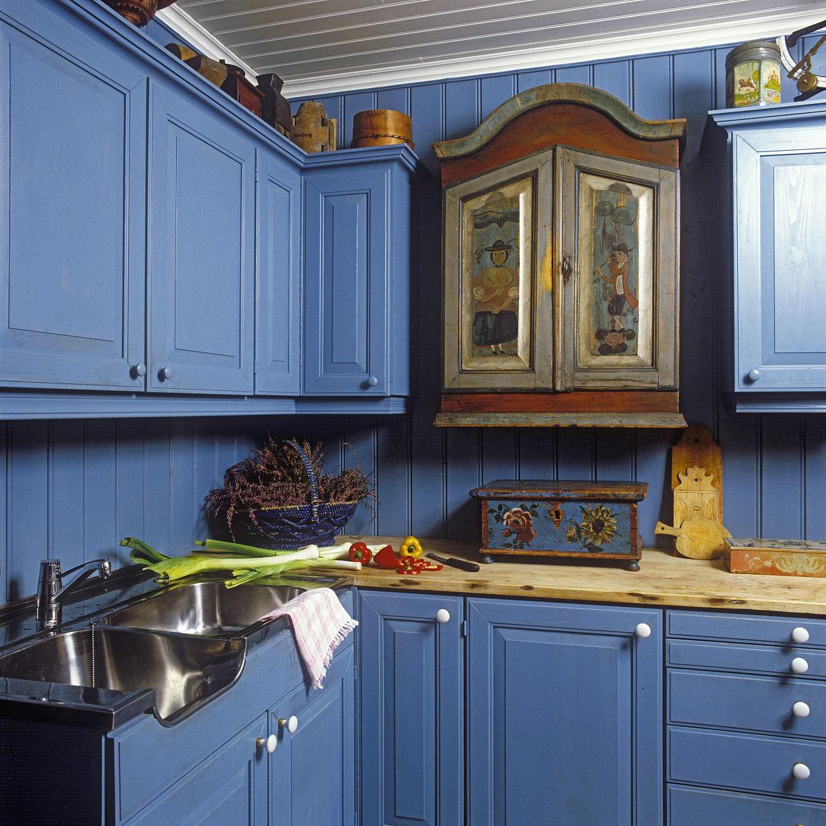 切割不锈钢水槽.红辣椒和黄椒.单古董橱柜手绘数字.实木台面.图片