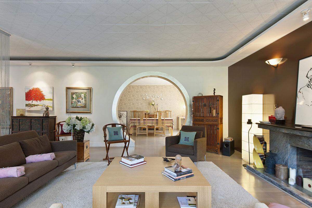 房屋,沙发,茶几,壁炉,新中式风格,小毯子,扶手椅,天花板,椅子,圆形图片