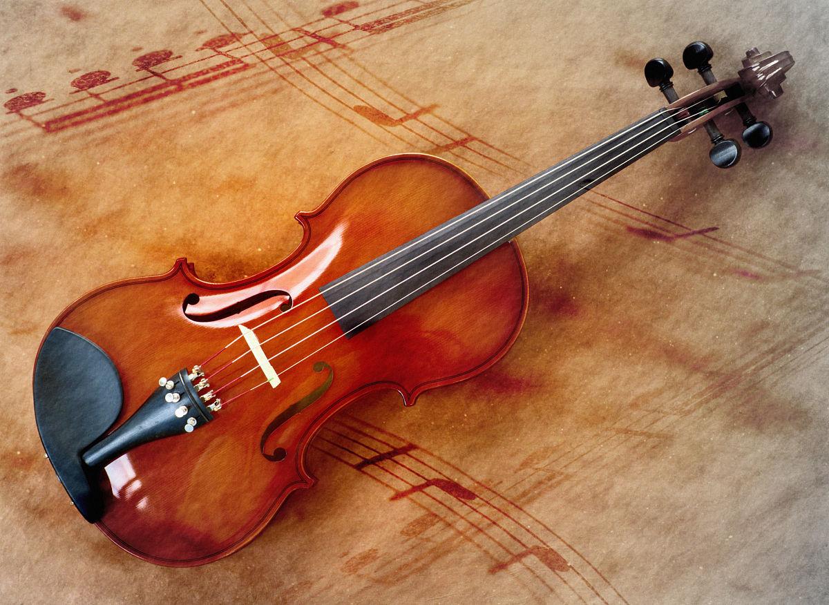 小提琴与音符图片
