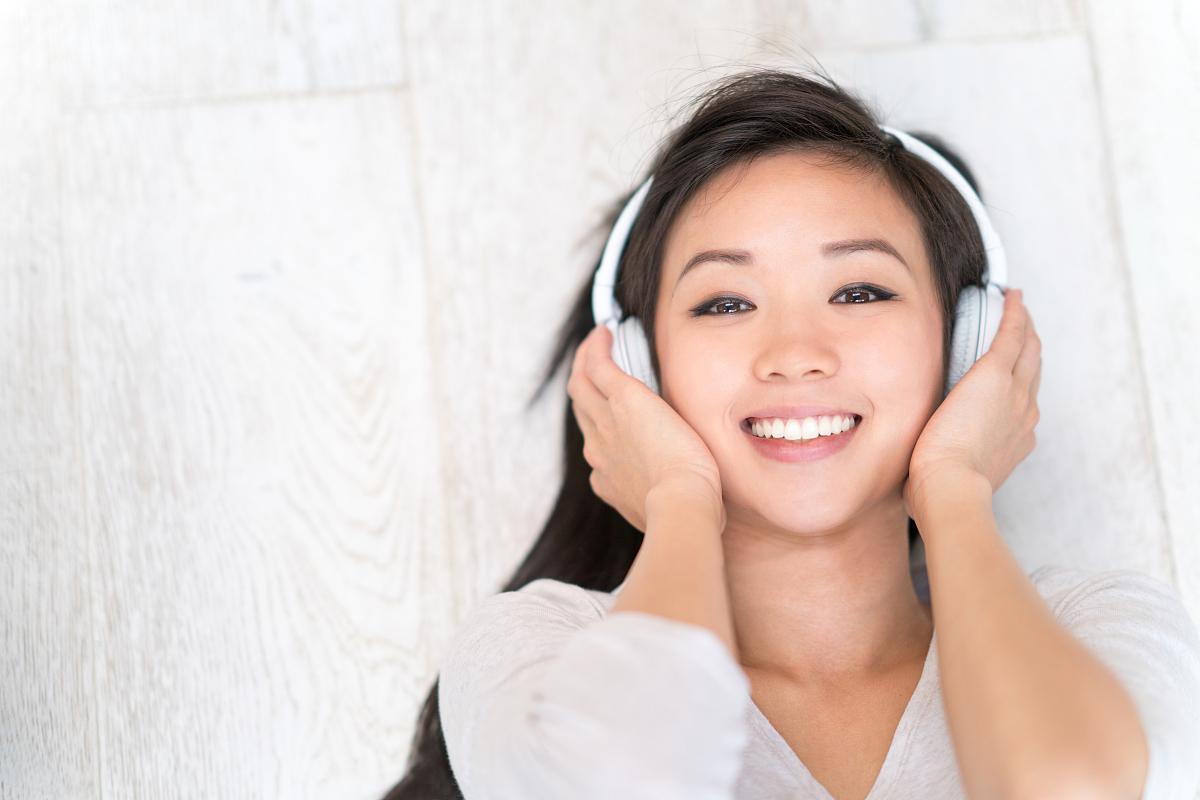 亚州女人�9�'�od9o9f�x�_亚洲女人听音乐