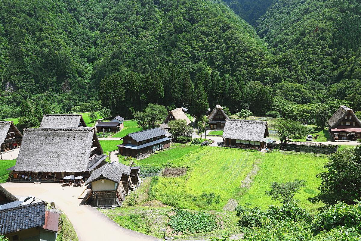 村_传统的日本村在五箇山,富山州,日本