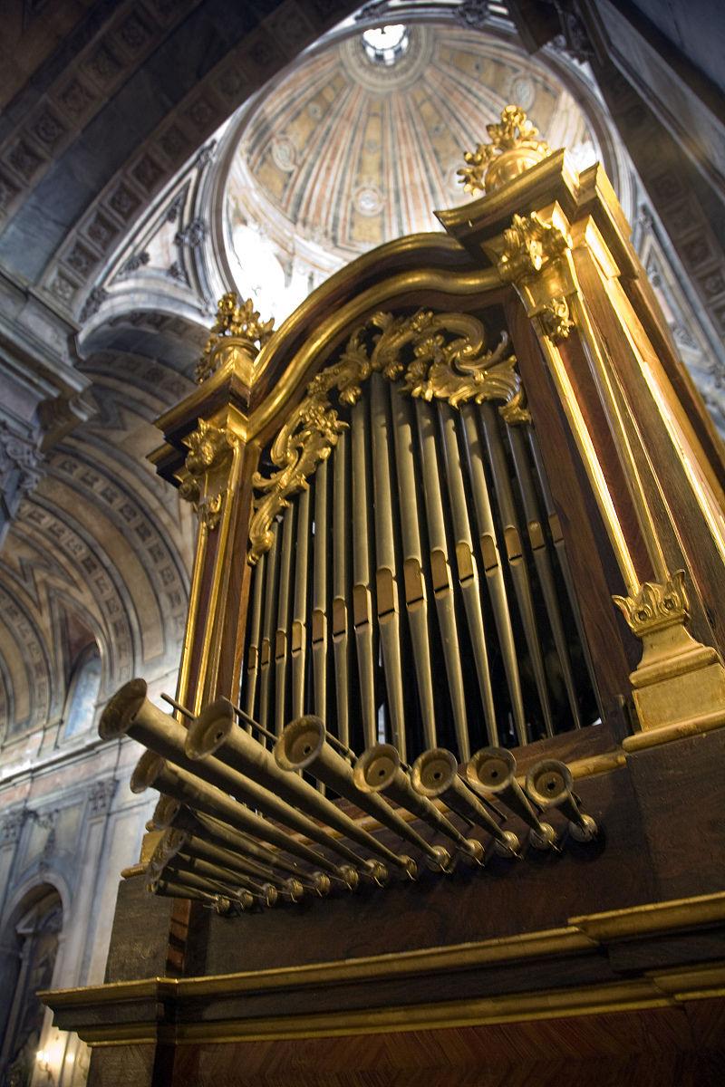 古老的管风琴,教堂da estrela,lisbon图片