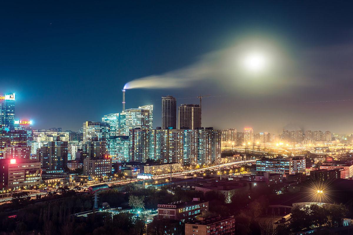��n;_cbd建外soho 夜 烟云遮月\\n北京cbd全景夜景和天台广场地面